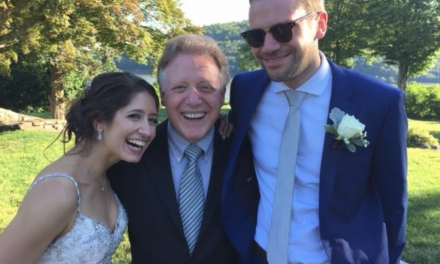 Applause for New York City Wedding Officiant Mark Giller